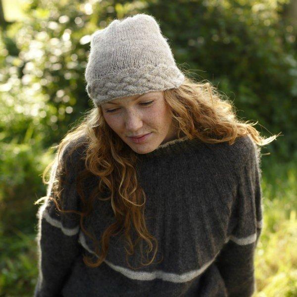 Cornish Garden Cable Hat simple version - Blacker Yarns