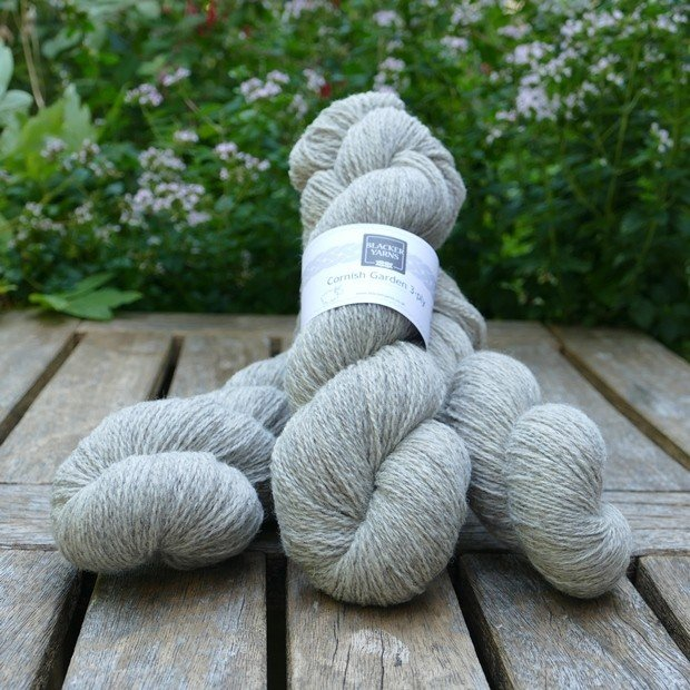 Cornish Garden undyed Hepworth 3-ply yarn
