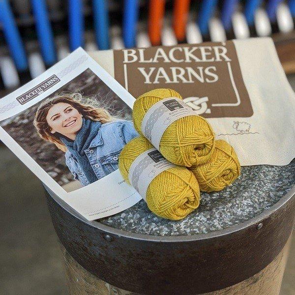 Crochet Sea Scarf Sundew - Blacker Yarns