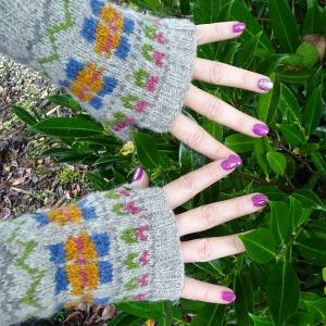 Fair Isle Garden Mitts, 3-ply and 4-ply Free Pattern
