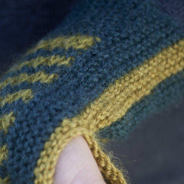Piskey Mitts Knitting Pattern Close Up - Blacker Yarns