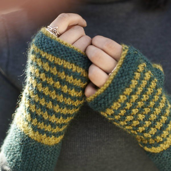 Piskey Mitts Knitting Pattern Free Pattern by Blacker Yarns