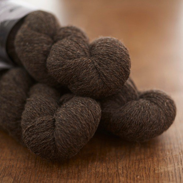 St. Kilda Laceweight, Stac Lee dark undyed