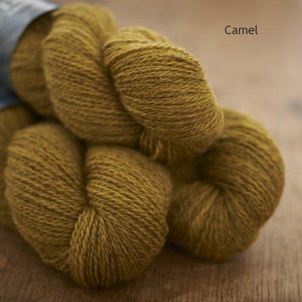 Tamar Lustre Blend 4-ply, Camel old gold