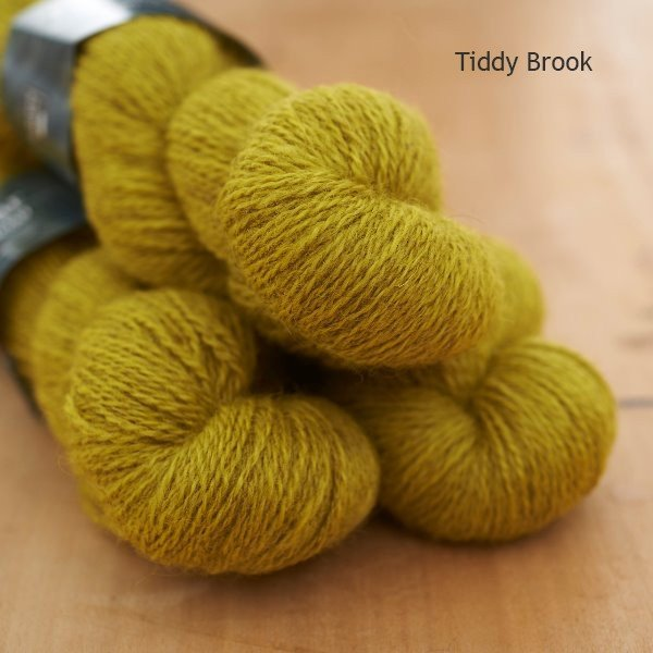 Tamar Lustre Blend 4-ply, Tiddy Brook lemon green