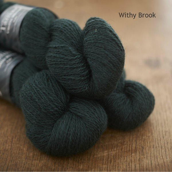 Tamar Lustre Blend 4-ply, Withy Brook deep green