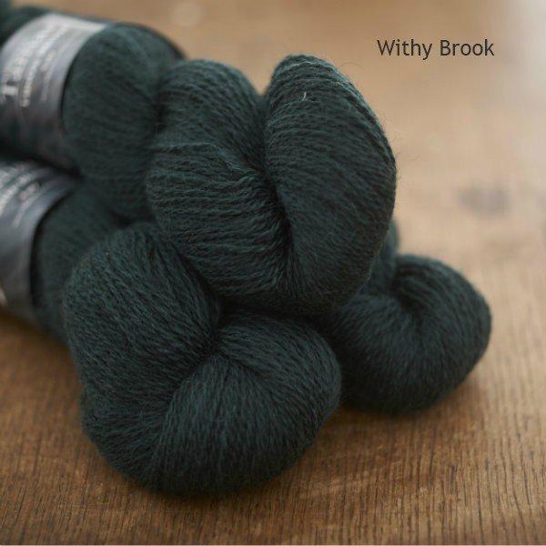 Tamar Lustre Blend 4-ply, Withy Brook deep green